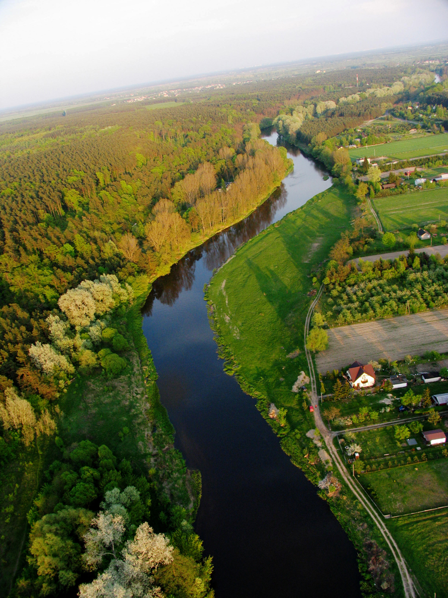 Spływy kajakowe rzeką Wkrą, Pomiechówek pod Warszawą, grill i plaża